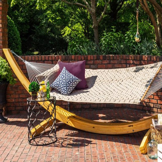 Soft Weave Hammock on Wooden Hammock Stand