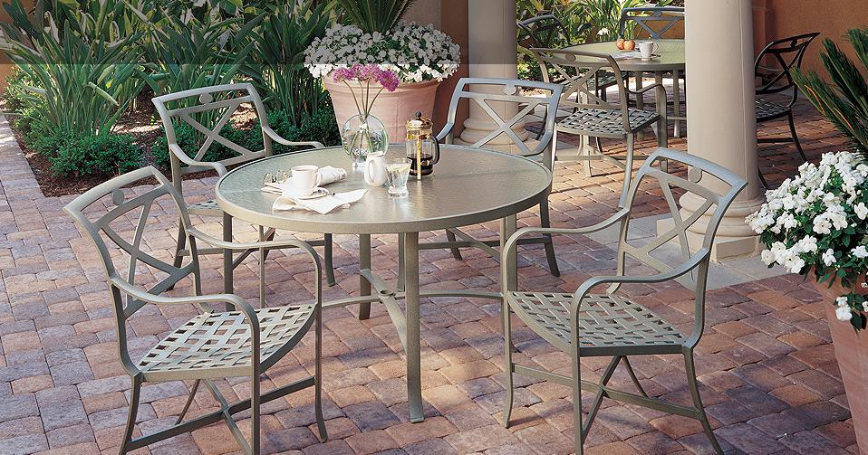 outdoor furniture - trop.jpg