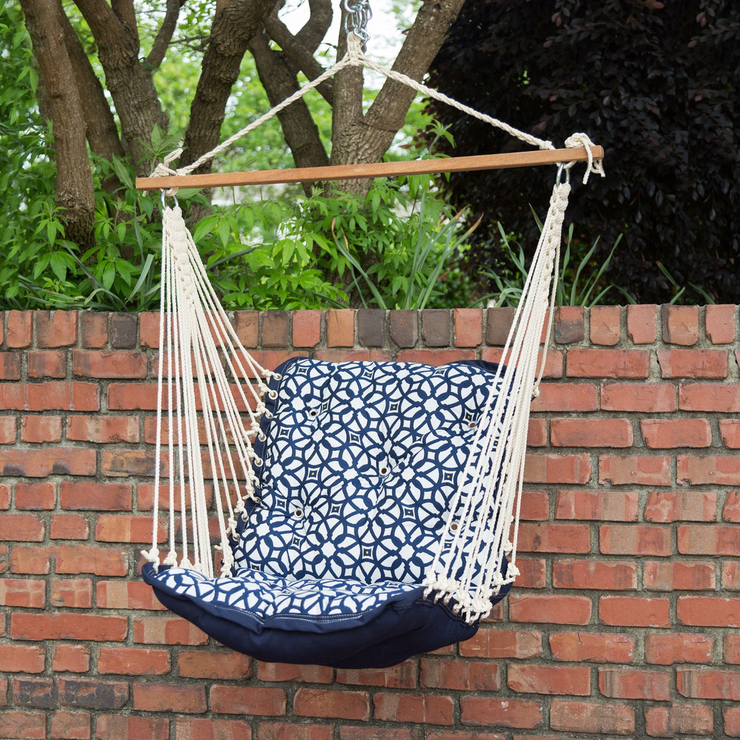 Single Tufted Hanging Outdoor Swing